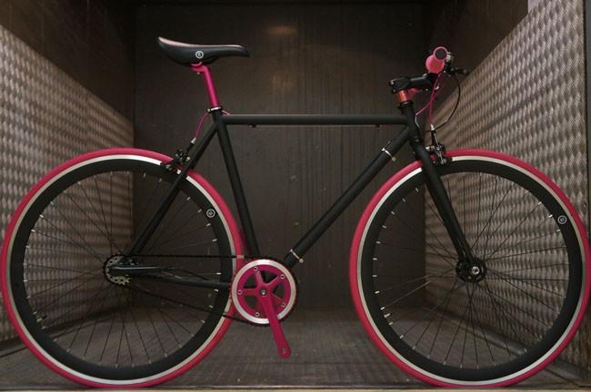 Comment freiner avec un vélo à pignon fixe ?